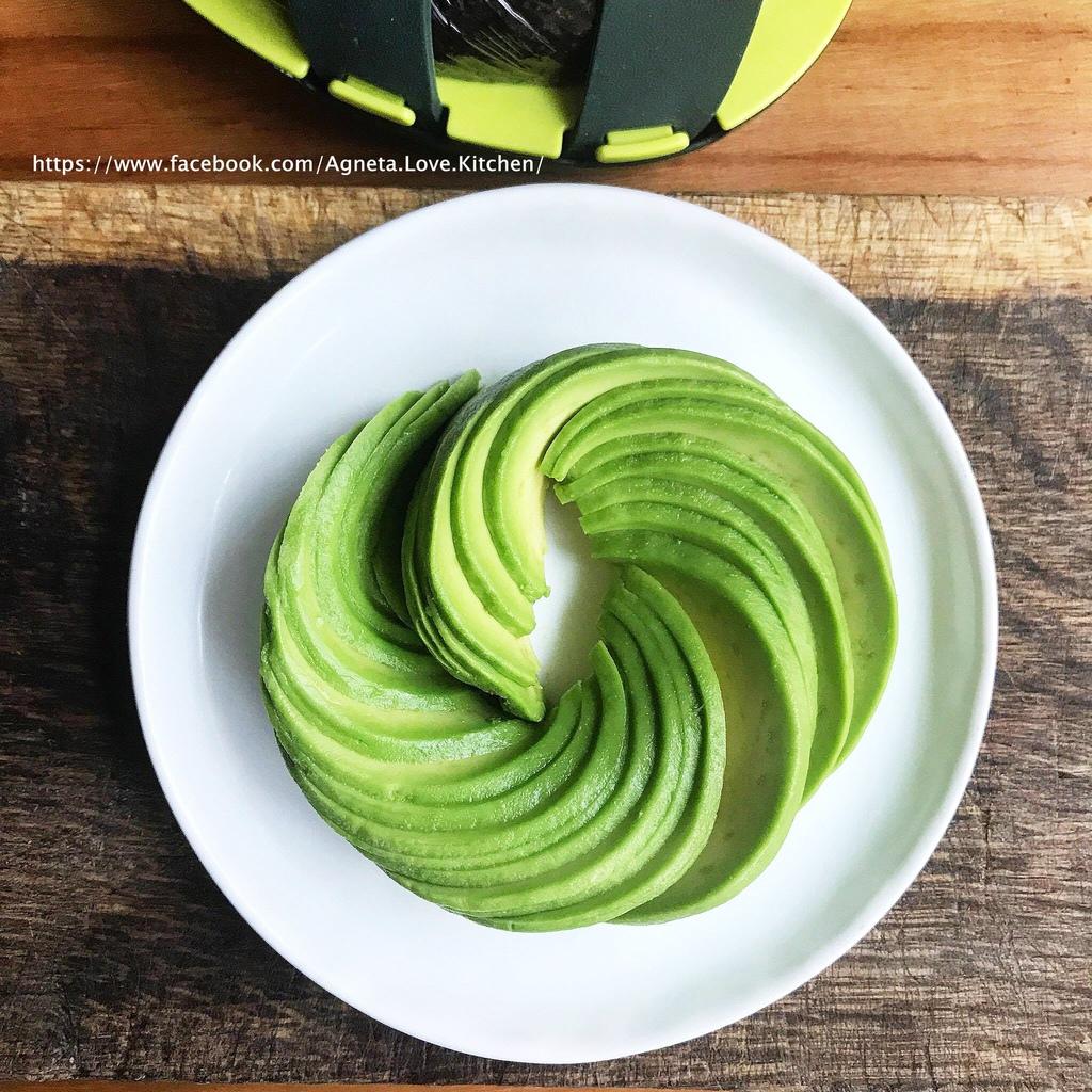 avocado flower